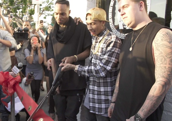 tyga cutting ribon-last king