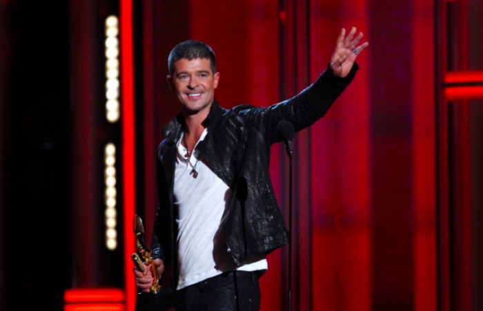 Robin Thicke To Release New Album