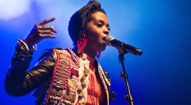 Lauryn-Hill-On-Stage-KarenCivil