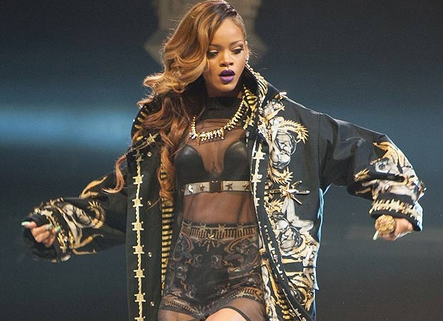 Rihanna to perform at Super bowl?