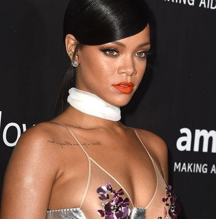 rihanna-tom-ford-dress-5-karencivil